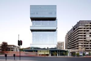 در طراحی نمای مدرن چگونه شیشه مناسب پروژه های خود را انتخاب کنیم؟