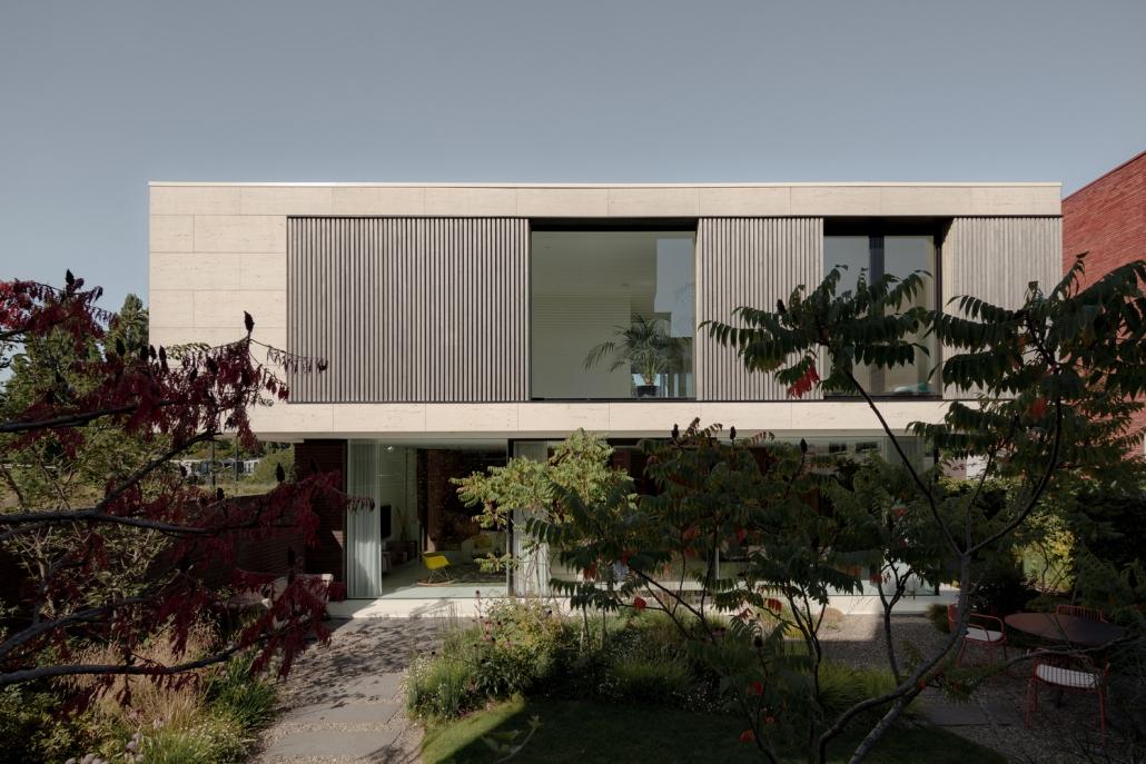 طراحی نمای ویلا MW با سنگ آهکی