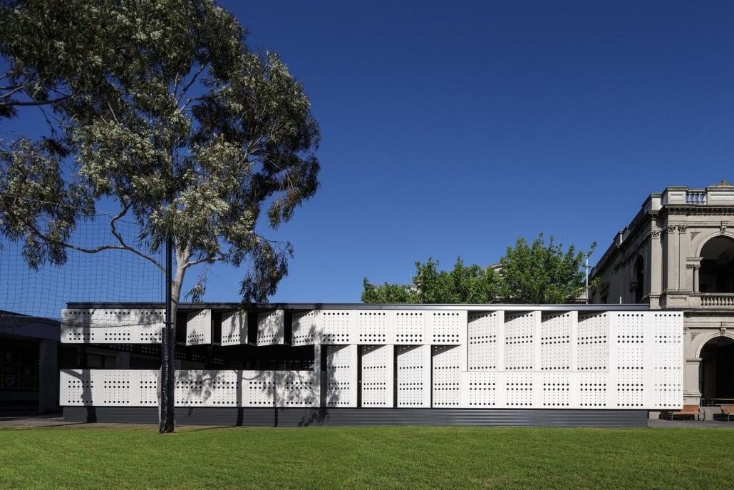 طراحی ساختمان مدرن مدرسه گرامر کالفیلد
