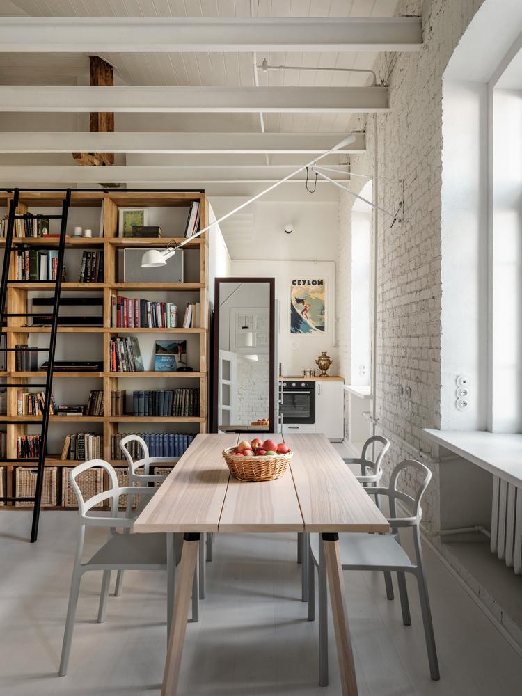 طراحی فضای داخلی آپارتمان Kalanchevskaya / buro